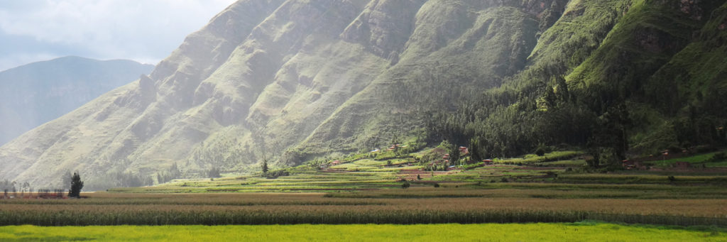 Peru Pisac Moutains Rain Coming